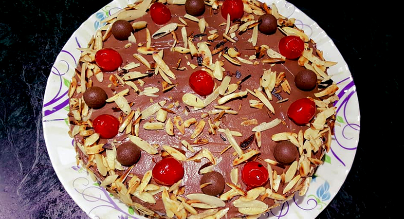 chocolate almonds cake
